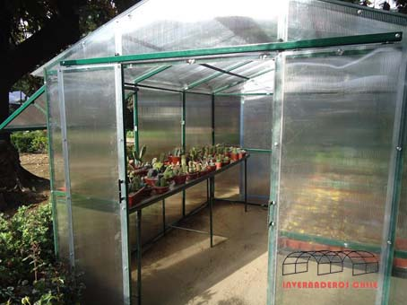 Tipos de invernaderos invernaderos dise o y for Viveros caseros